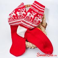 """Купить шерстяные носки с оленями """"Новогодние олени"""" красно-белые в интернет-магазине Sweetsee.ru"""