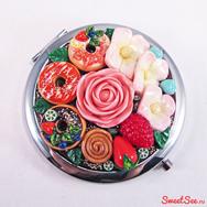 """Купить Двойное Карманное Зеркало """"Пончики-цветочки"""" из полимерной глины в интернет-магазине Sweetsee.ru"""
