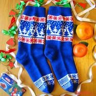 """Купить теплые шерстяные носки """"Зимняя ночь"""" ручной вязки, интернет-магазин Sweetsee.ru"""