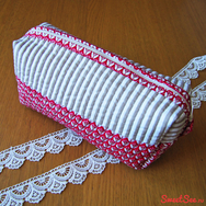 """Купить Косметичку пенал """"Красный тюльпан"""" в интернет-магазине авторских подарков Sweetsee.ru"""