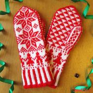 """Купить зимние варежки из 100% шерсти """"Снежные человечки"""" красно-белые в интернет-магазине Sweetsee.ru"""